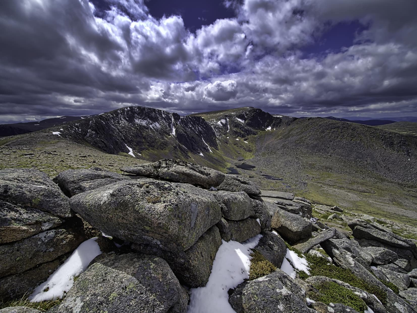 Northern Corries : The Cairngorms